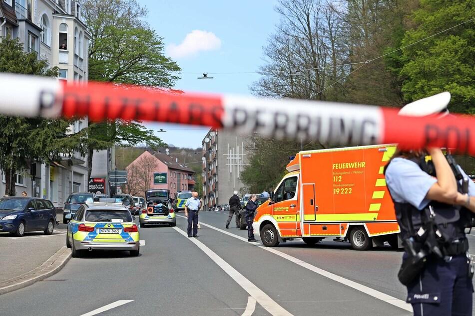 Polizist zieht Dienstwaffe, Mann wird schwer verletzt