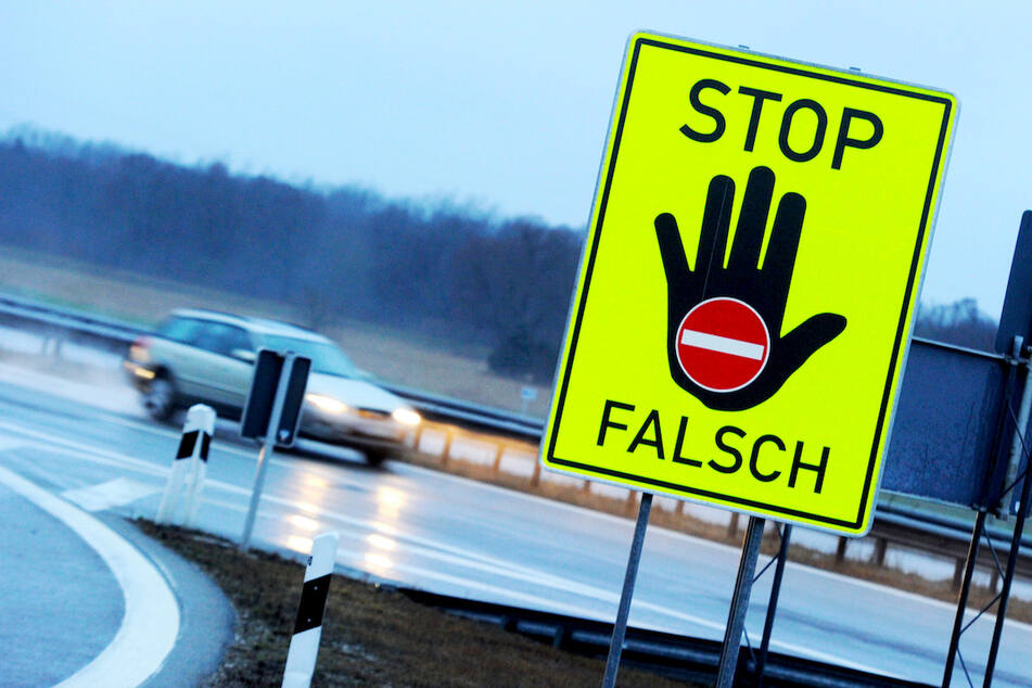 In Oberbayern folgte ein Mann den Anweisungen seines Navis und fuhr entgegen der Fahrrichtung. (Symbolbild)
