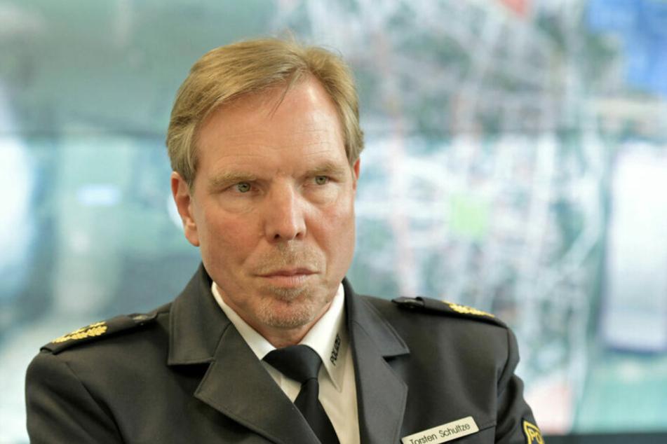 Polizeipräsident Thorsten Schultze rät, grundsätzlich auf Feuerwerk an diesem besonderen Silvester zu verzichten.