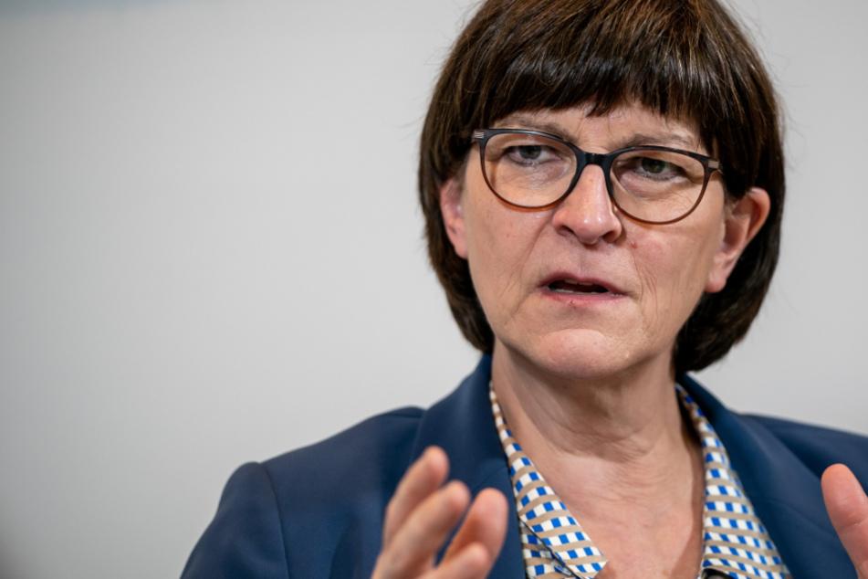 SPD-Chefin Saskia Esken besucht das Kommando Spezialkräfte der Bundeswehr