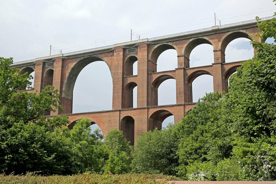 Die Göltzschtalbrücke gehört zu den Wahrzeichen des Vogtlands. Vor 170 Jahren wurde sie erstmals von einem Zug befahren.