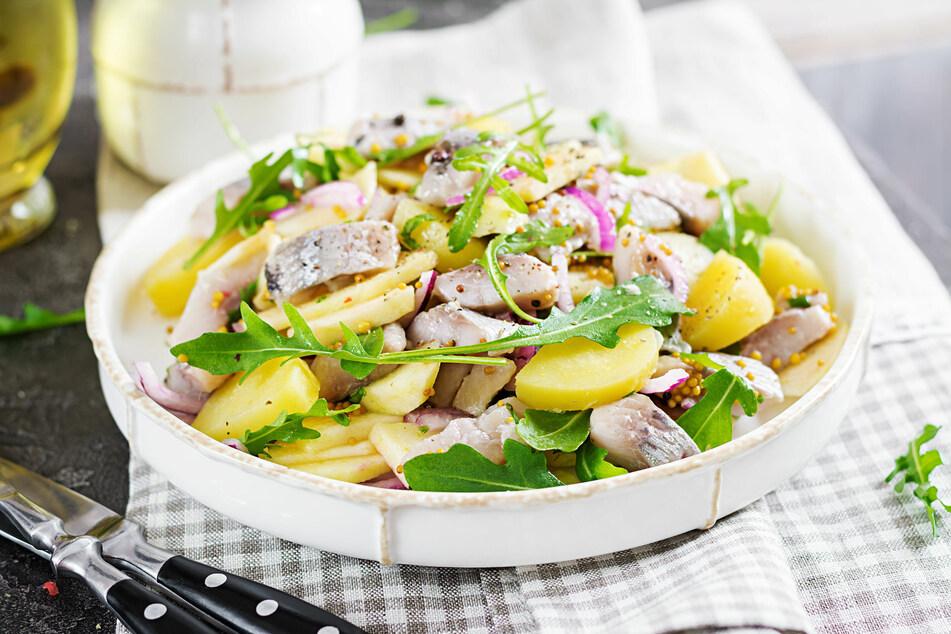 Schälen, kochen, genießen: Kartoffeln sind sehr gesund, wenn man sie richtig lagert und zubereitet.
