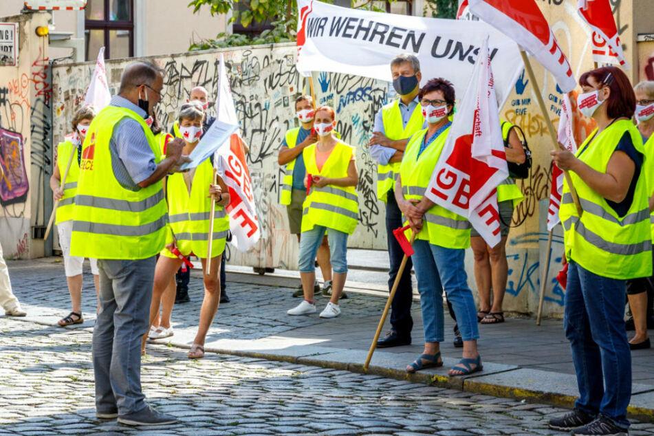 """Streik bei """"Putzi"""" in der Dresdner Neustadt: Die Mitarbeiter zeigen ihre Zähne!"""