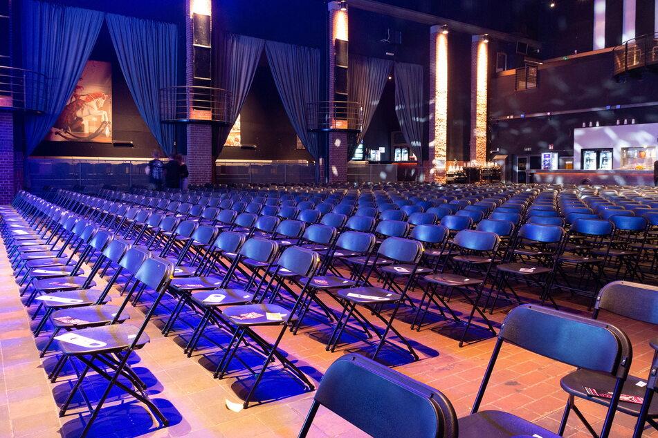 Ein Blick in den sanierten Saal, in dem bis zu 1400 Gäste Kultur erleben können.