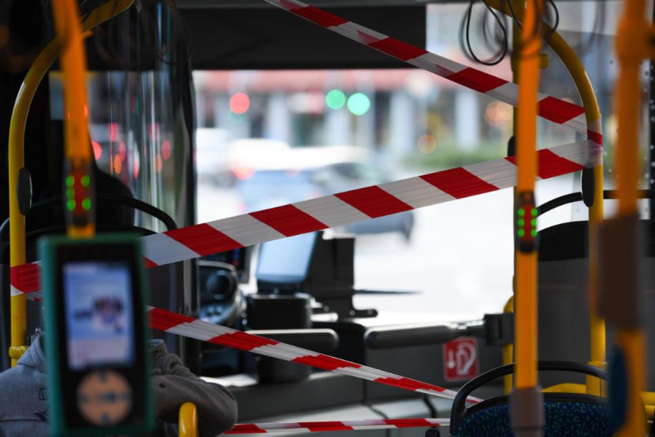 Bisher wurden die Fahrer-Bereiche in den Bussen mit Bändern abgesperrt.