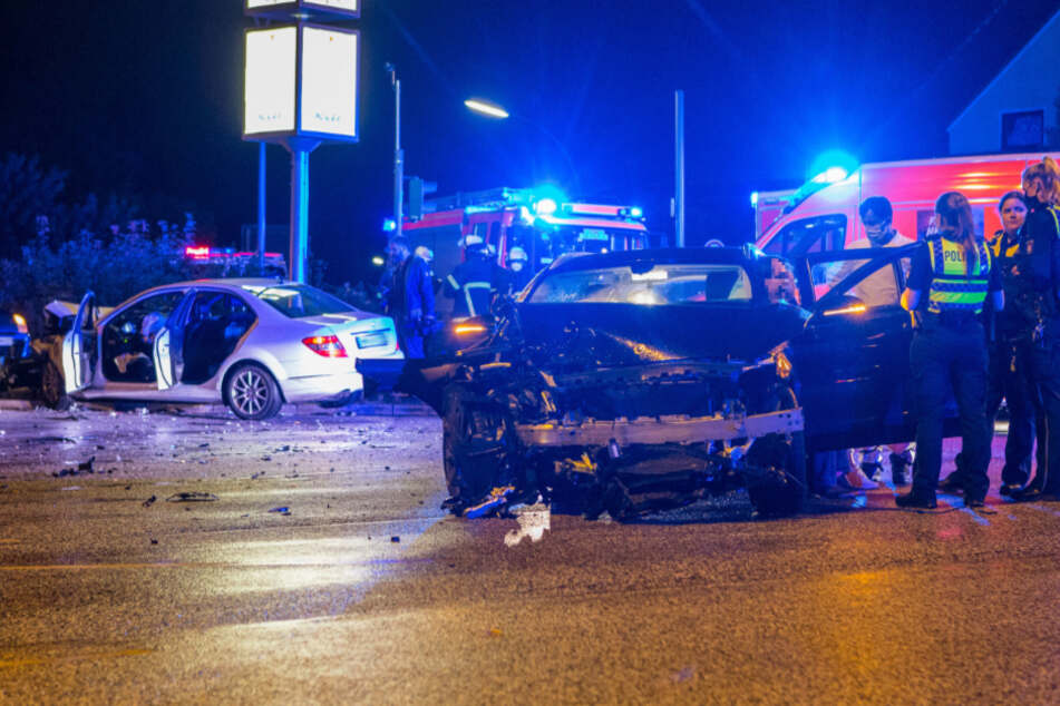 Schwerer Crash in Hamburg: Fahrer betrunken, Kinder nicht angeschnallt