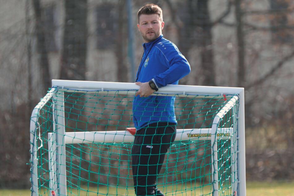 CFC-Coach Daniel Berlinski räumt die Tore nicht weg - es wird weiter trainiert und getestet.