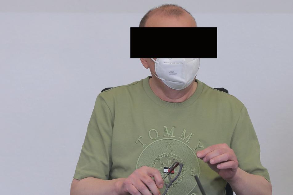 Frisierte recht professionell Arztrechnungen: Andreas E. (59) muss vorerst hinter Gitter.