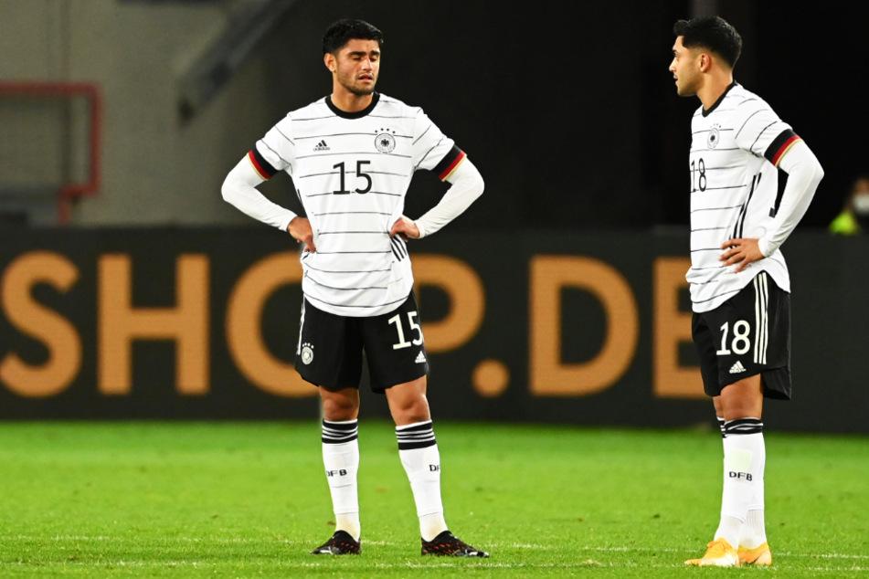 Mahmoud Dahoud (24, l.) und Nadiem Amiri (23) waren nach dem 3:3 gegen die Türkei alles andere als begeistert.