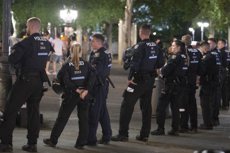 Nächtlicher Opernplatz-Bann aufgehoben! Geht die Party wieder von neuem los?