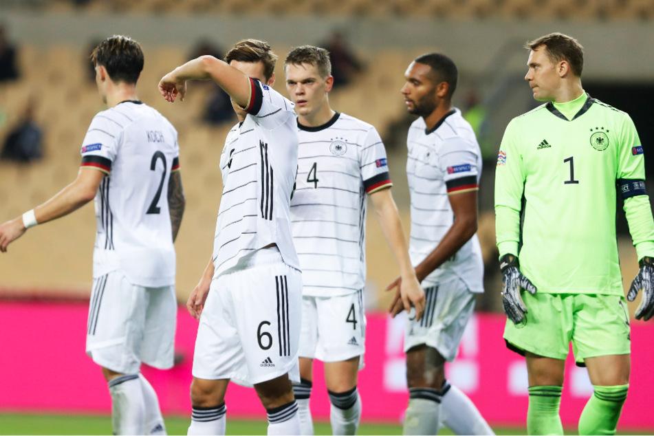Keine positive Körpersprache, keine Spannung, kein Zweikampfverhalten: Der DFB-Auftritt in Spanien löste und löst eine Grundsatzdebatte aus.