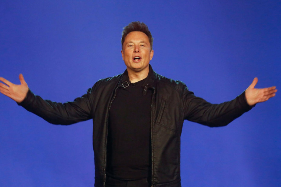 Elon Musk (49, CEO von Tesla) will das künftige Werk des Elektroauto-Herstellers bei Berlin auch zur weltgrößten Batteriefabrik machen.