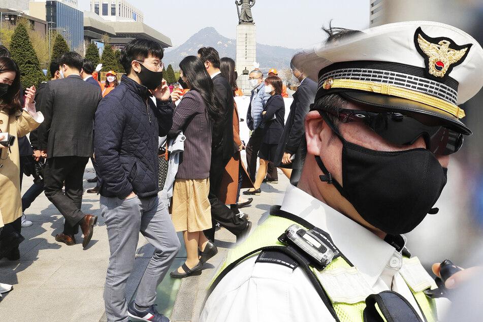 Knallhart: So geht Südkorea gegen Quarantäne-Sünder vor!