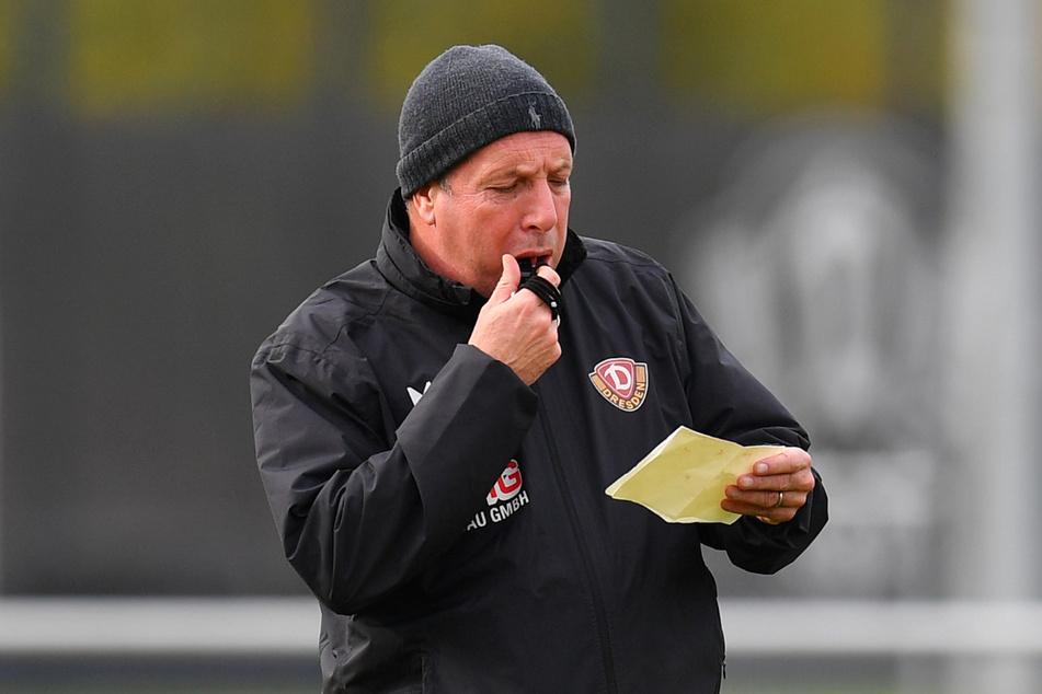 Der aktuelle Arbeitsvertrag von Coach Markus Kauczinski (51) bei Dynamo Dresden endet am 30. Juni. Noch ist unklar, ob der Kontrakt verlängert wird, sowohl Kauczinski als auch die Vereinsführung schweigen zu diesem brisanten Thema.