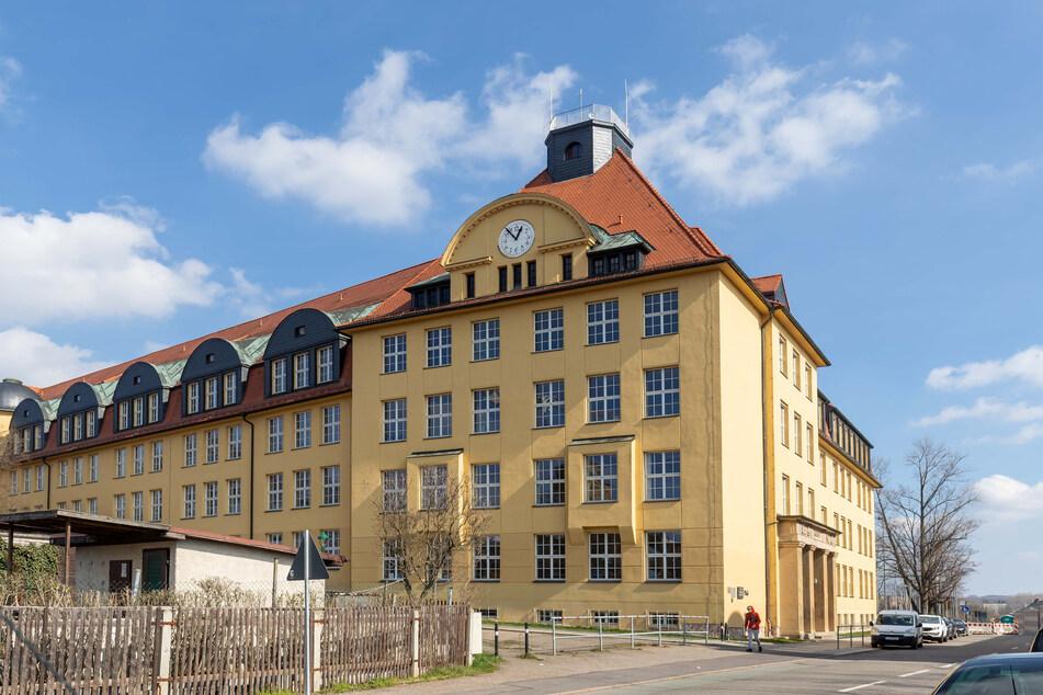 Keine Schüler, keine Bewegung, kein Lärm. Am Johannes-Kepler-Gymnasium in Chemnitz scheint die Zeit stillzustehen.