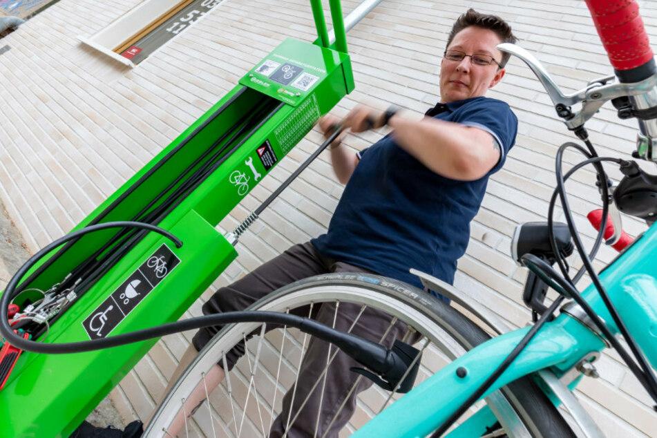 Neues Angebot auf dem Brühl: Erste Hilfe für Fahrrad-Schrauber