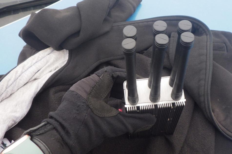 Polizei schnappt Autoknacker mit Störsender