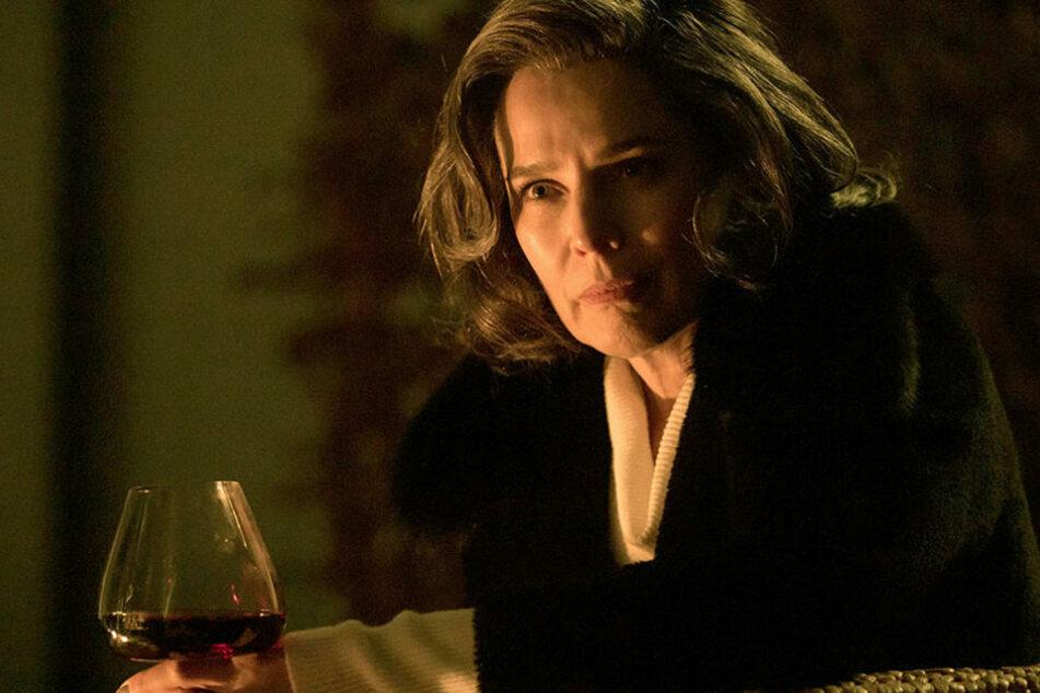 """Vielen noch präsent - die Serie """"Bad Banks"""", in der Désirée Nosbusch (56) die mächtige Investmentbankerin Christelle Leblanc spielte."""