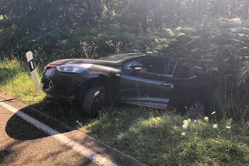 Renault-Fahrerin landet mit 3,7 Promille im Graben: Erklärung ihres Pegels ist nicht zu glauben