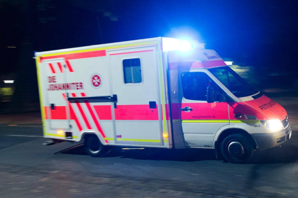 Am Mittwochabend ist eine 76-jährige Fußgängerin in Berlin-Friedrichshain von einem Smart erfasst und lebensgefährlich verletzt worden. (Symbolfoto)