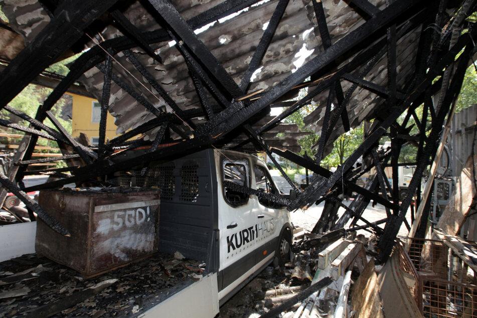 Bitter: Ausgerechnet der neue Ford-Transporter soll Ursache des Brandes gewesen sein.