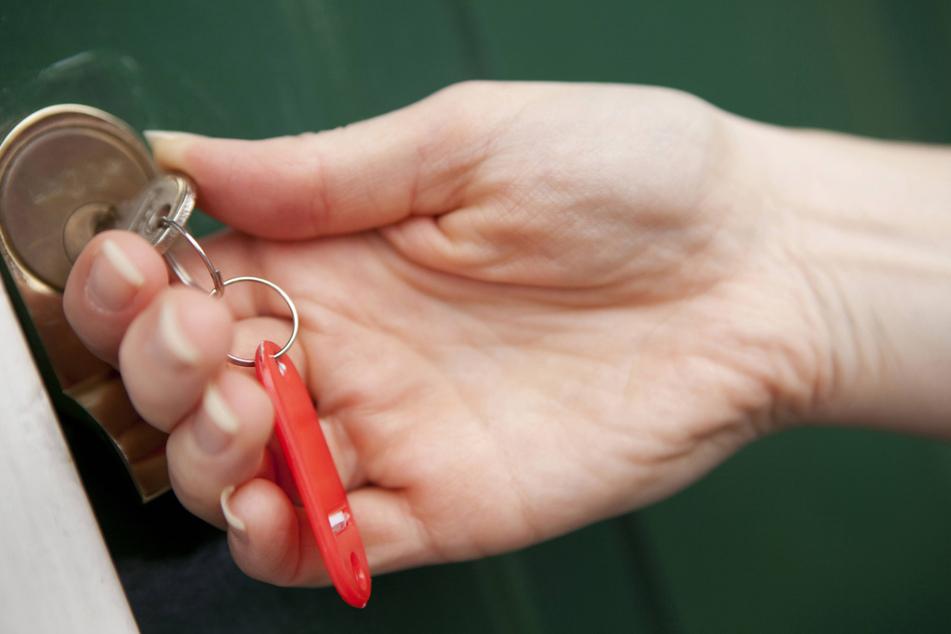 Mit einem Zweitschlüssel kann die Behörde jederzeit in die Wohnung von Flüchtlingen.