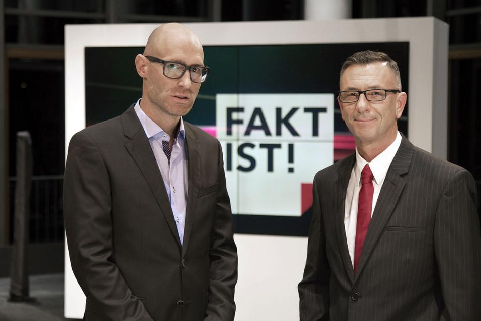 """Lars Sänger (41, l.) und Andreas Menzel (59, r.) führen durch die kommende Sendung bei """"Fakt ist! Aus Erfurt""""."""