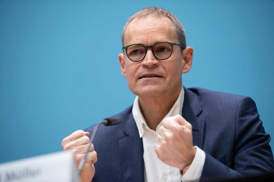 Michael Müller kündigte zudem an, der Teil-Lockdown könne in Berlin bis Januar verlängert werden.