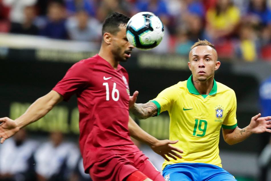 Everton (r.) hat bereits 14 Länderspiele (drei Tore) für Brasilien absolviert.