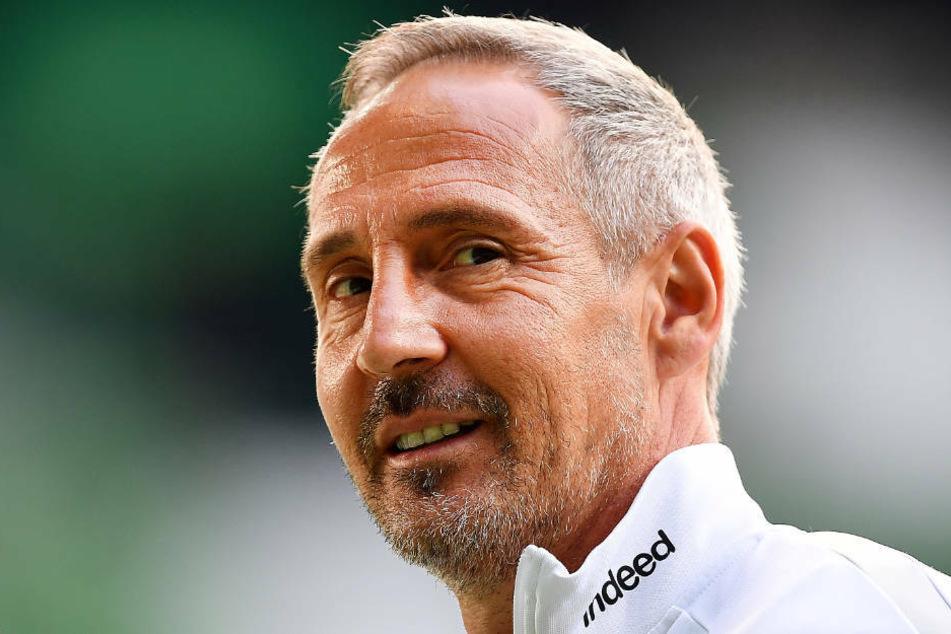 Was die personelle Situation von Eintracht Frankfurt angeht, darüber muss sich Trainer Adi Hütter gerade keine Sorgen (Archivbild).