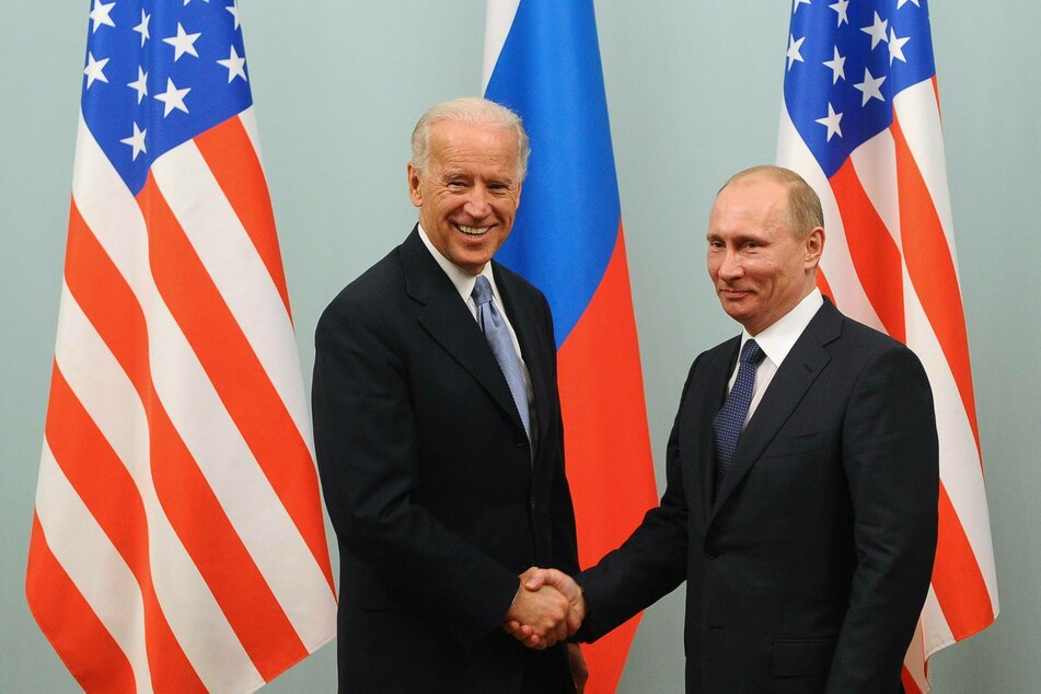 President Biden (l.) hopes to renew a nuclear-arms treaty with Russia, which is set to expire in February (archive image).