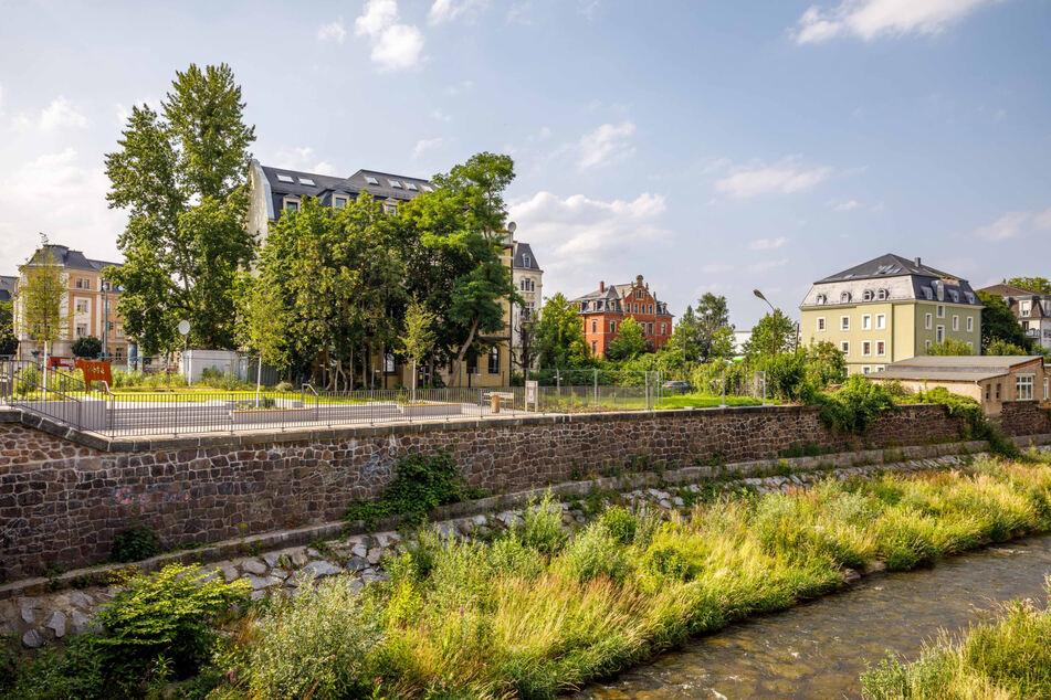 Durchdachter Freiraum: Die Weißeritz-Terrassen werden am Donnerstag offiziell eröffnet, sie sollen die Stadt im Sommer weniger zu einem Kessel machen.