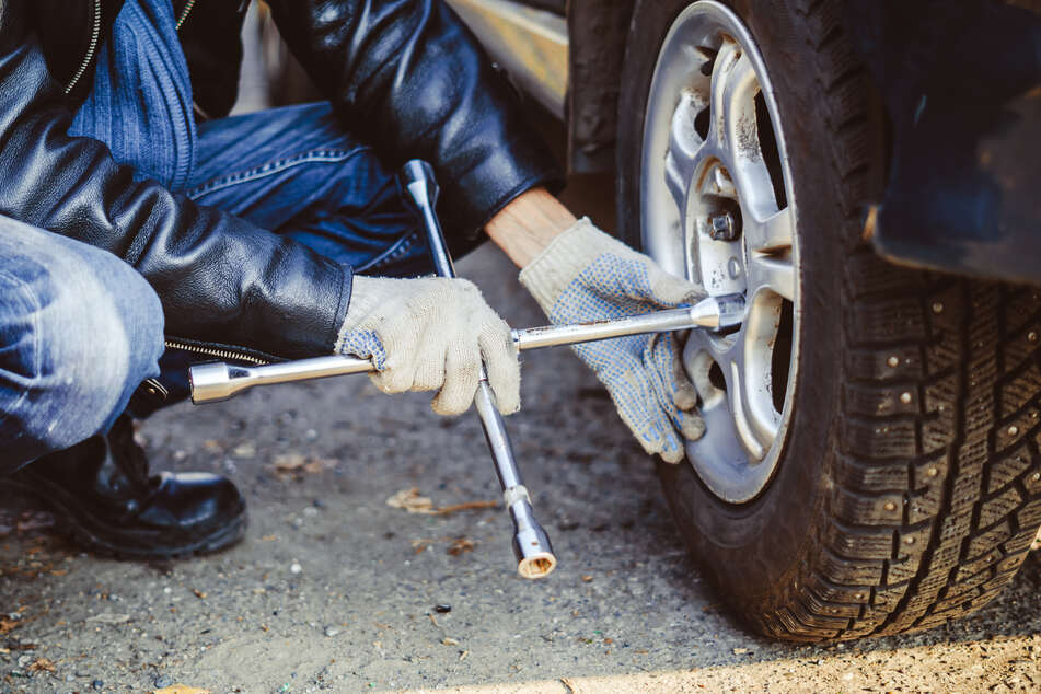 Schon mehrere Fälle im Erzgebirge: Täter lösen Radmuttern an Autos