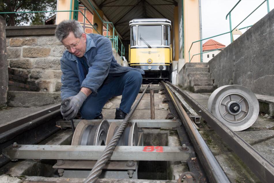 Die Technik der Bahn wird dem aktuellen gesetzlichen Stand angepasst.