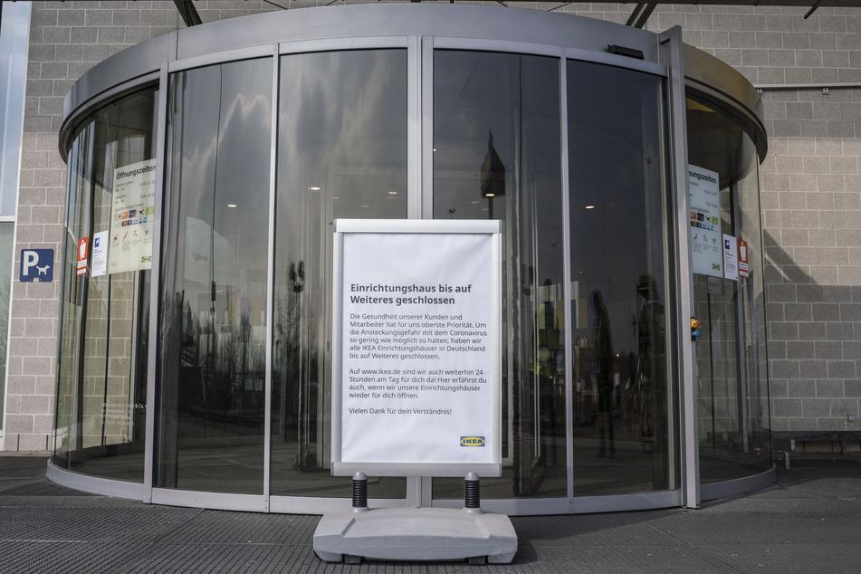 Auch Filialen der Möbelkette Ikea bleiben vielerorts noch geschlossen.