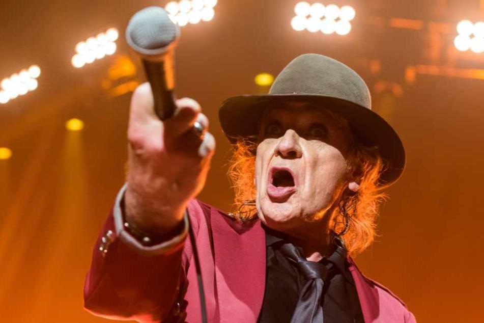 Rockmusiker Udo (73) Lindenberg hat seine geplante Tournee abgesagt.