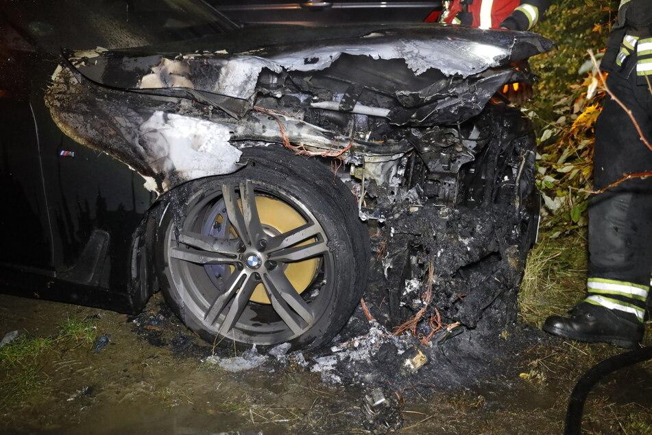 Chemnitz: Wieder Autobrand in Chemnitz! BMW in Flammen