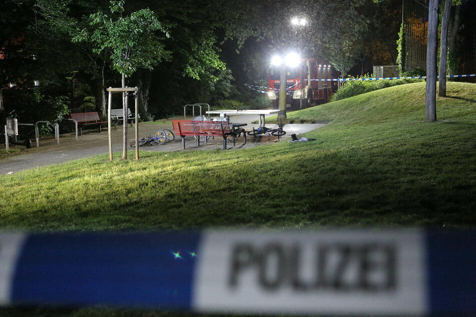Nach Flucht aus Psychiatrie: Geiselnehmer bedrohen Frau, dann erschießt die Polizei einen Mann