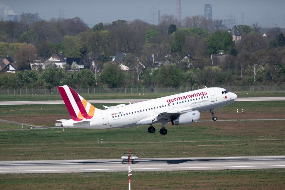 Im Vergleich zum Vorjahr sind in diesem Jahr wieder mehr Passagiere von Flughäfen in NRW aus verreist.