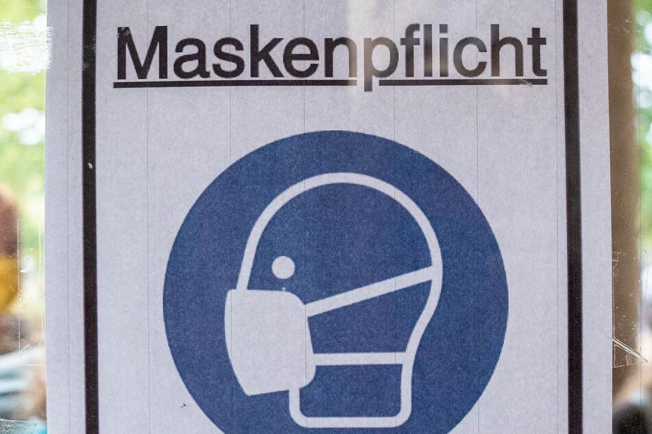 Der Minister appelliert an Fahrgäste in Bussen und Bahnen, die Regeln einzuhalten (Symbolbild).