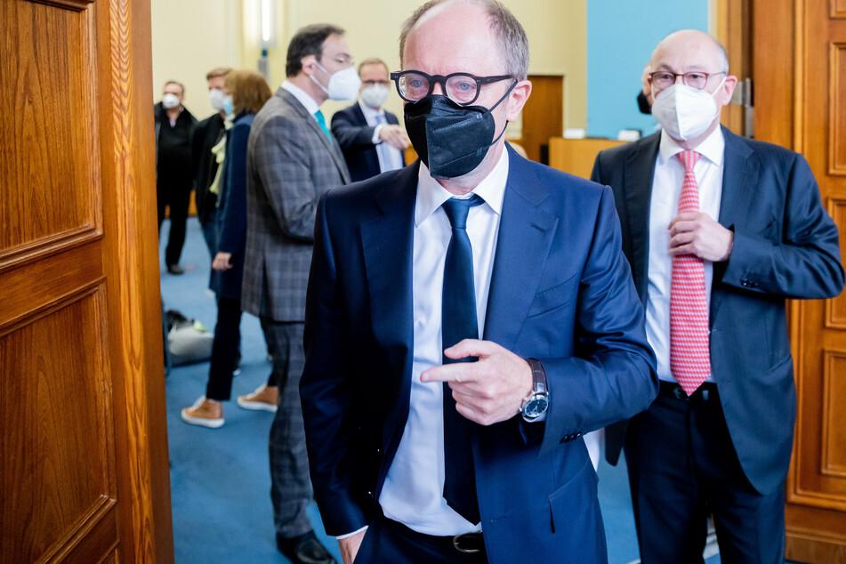 Rolf Buch (r.), Vorstandsvorsitzendem der Vonovia SE, will sich nicht geschlagen geben.