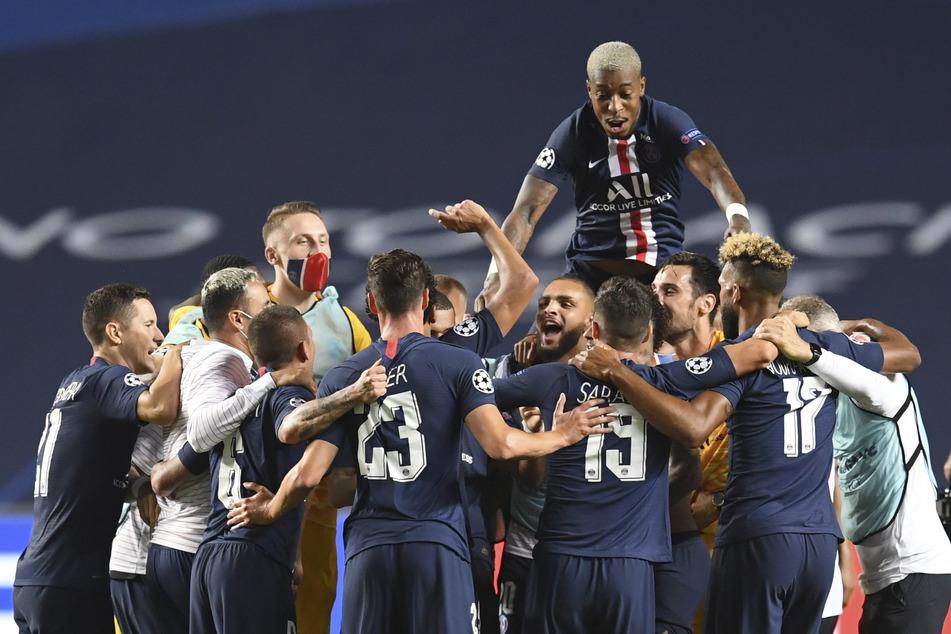 Ausgelassene Stimmung bei den Franzosen: Der Gegner im Finale heißt entweder Lyon oder Bayern München.