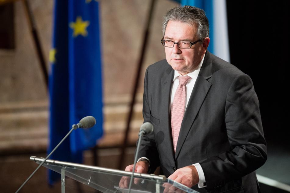In SachenSARS-CoV-2 hat der Präsident des Verfassungsgerichtshofs, Peter Küspert, eine klare Meinung.