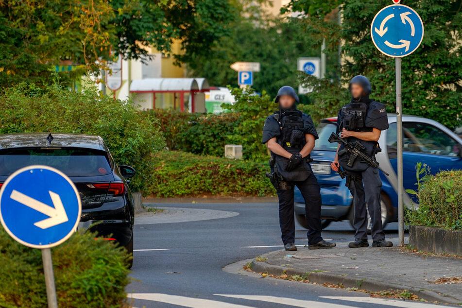 Junge (13) läuft mit Spielzeugwaffe nahe Flüchtlingsheim umher: SEK nimmt ihn fest