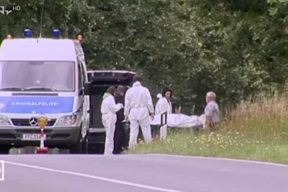 Am 11. Juli 2009 wurde auf einer Landstraße bei Berlin ein erschossener Mann gefunden. Es handelte sich um den Goldhändler Okan A.