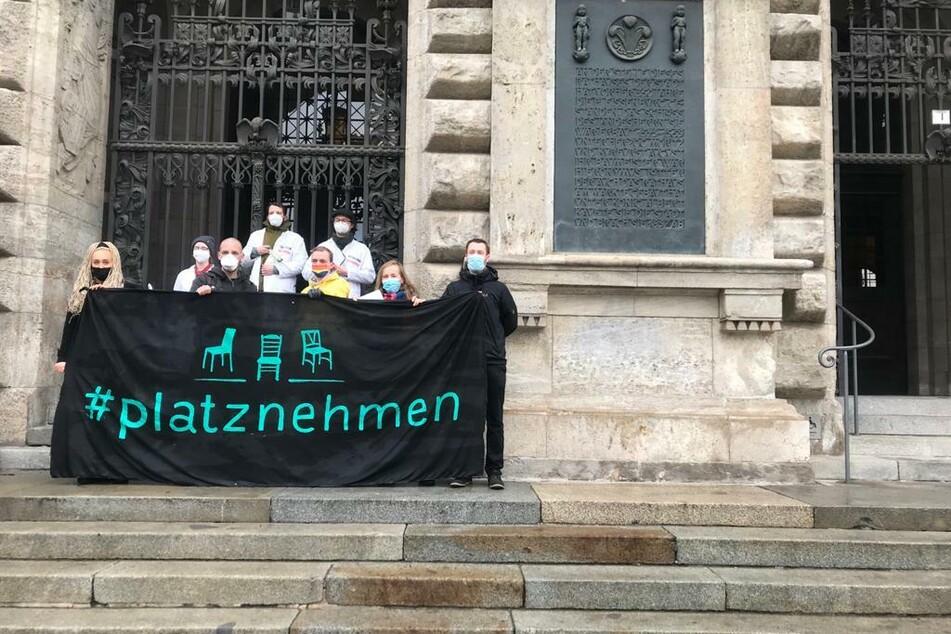 """Ein breites Bündnis rund um das Aktionsnetzwerk """"Leipzig nimmt Platz"""" will sich den Corona-Demonstranten entgegenstellen."""