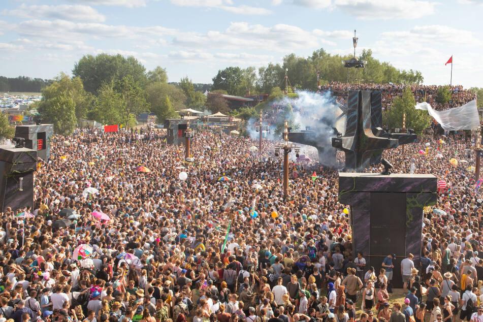 Ganz so voll wie 2019 sollte es beim diesjährigen Fusion-Festival in Lärz nicht werden. Trotz Konzept musste die Fusion abgesagt werden.