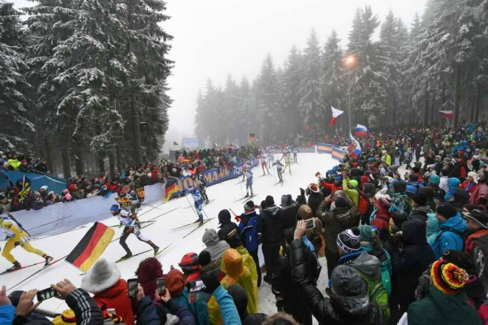Oberhof sucht jetzt schon freiwillige Helfer für die Biathlon-WM 2023