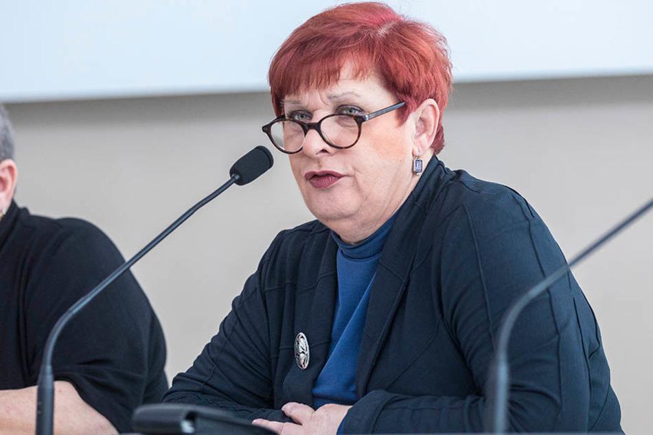 Sachsens GEW-Chefin Uschi Kruse (59) befürchtet, dass sich die Schulqualität in Sachsen nachhaltig verschlechtert.