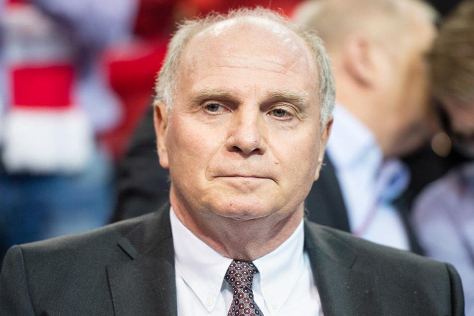 Uli Hoeneß äußerte sich jetzt zu seiner Haftstrafe bei einer Gala-Veranstaltung in Liechtenstein.